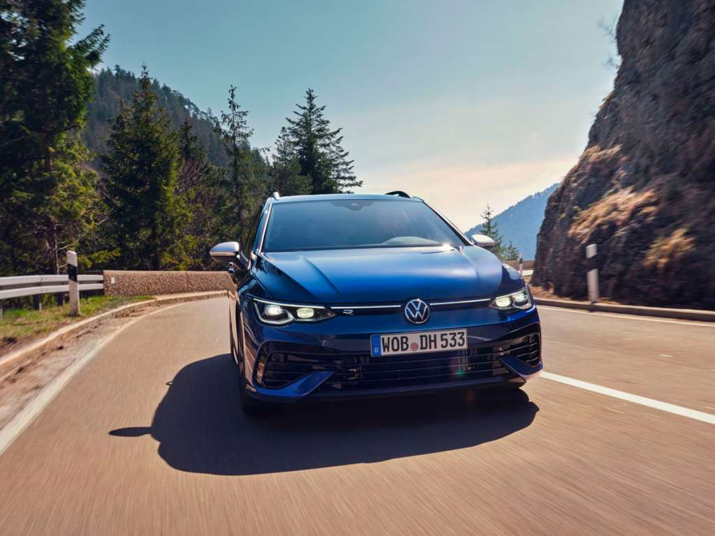 Volkswagen Novo Golf Variant R