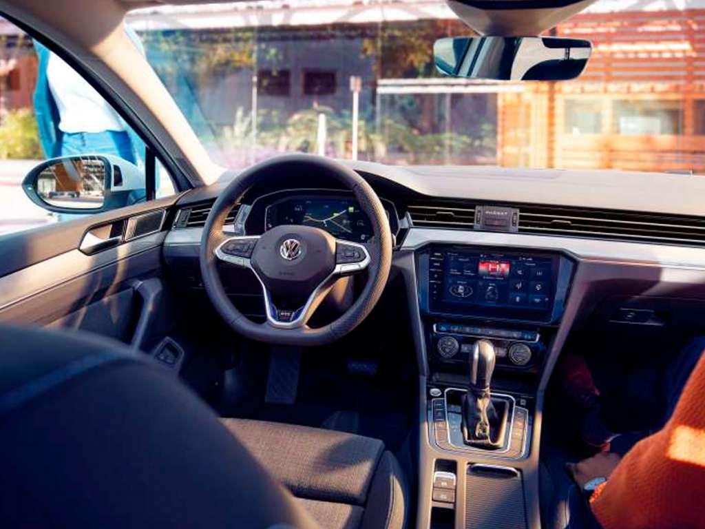 Volkswagen Novo Passat Limousine GTE