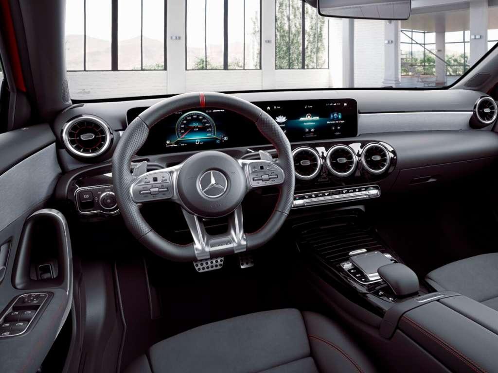 Galería de fotos del Mercedes Benz AMG CLASE A SEDÁN (3)