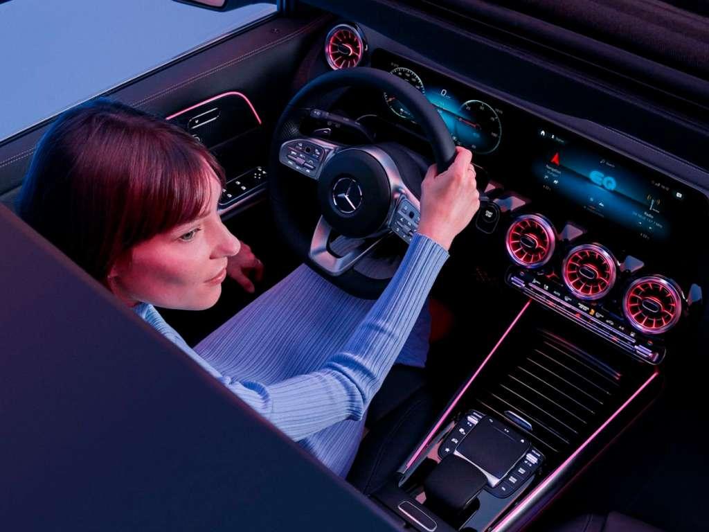 Galería de fotos del Mercedes Benz NUEVO EQA (4)