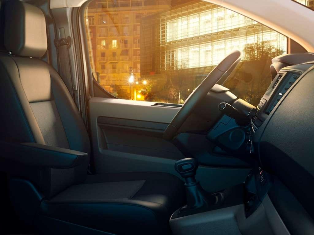 Opel Novo Vivaro Cargo