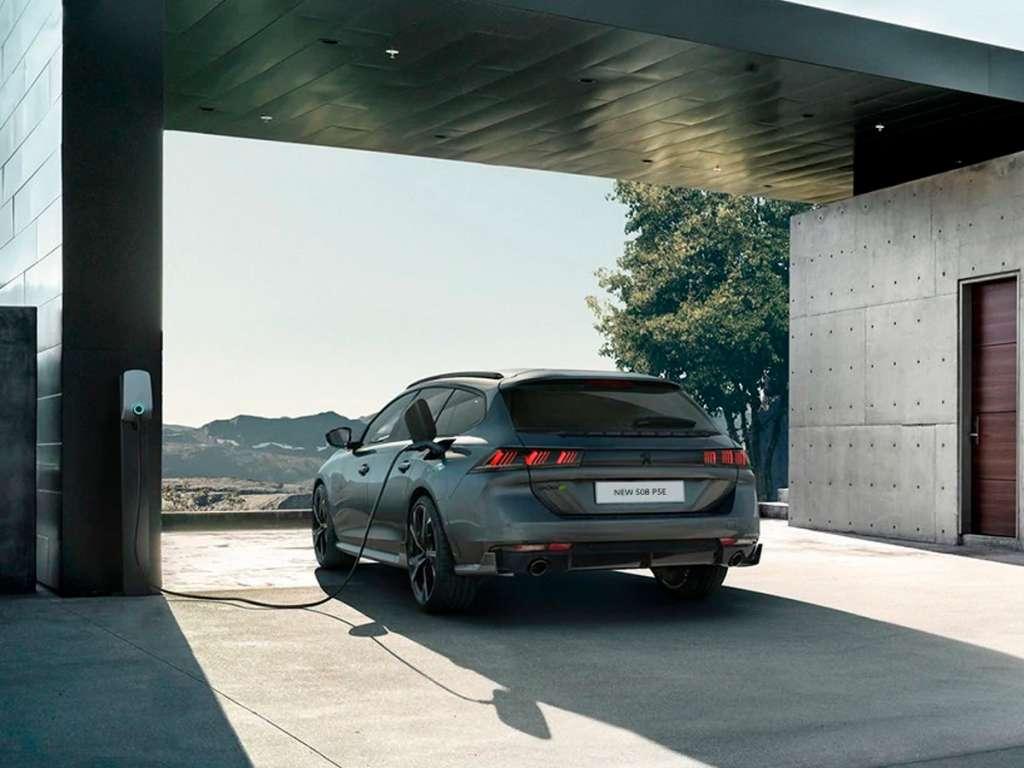 Galería de fotos del Peugeot Nuevo 508 SW Sport Engineered (2)