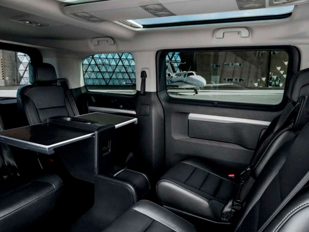 Galería de fotos del Peugeot Traveller Business (3)