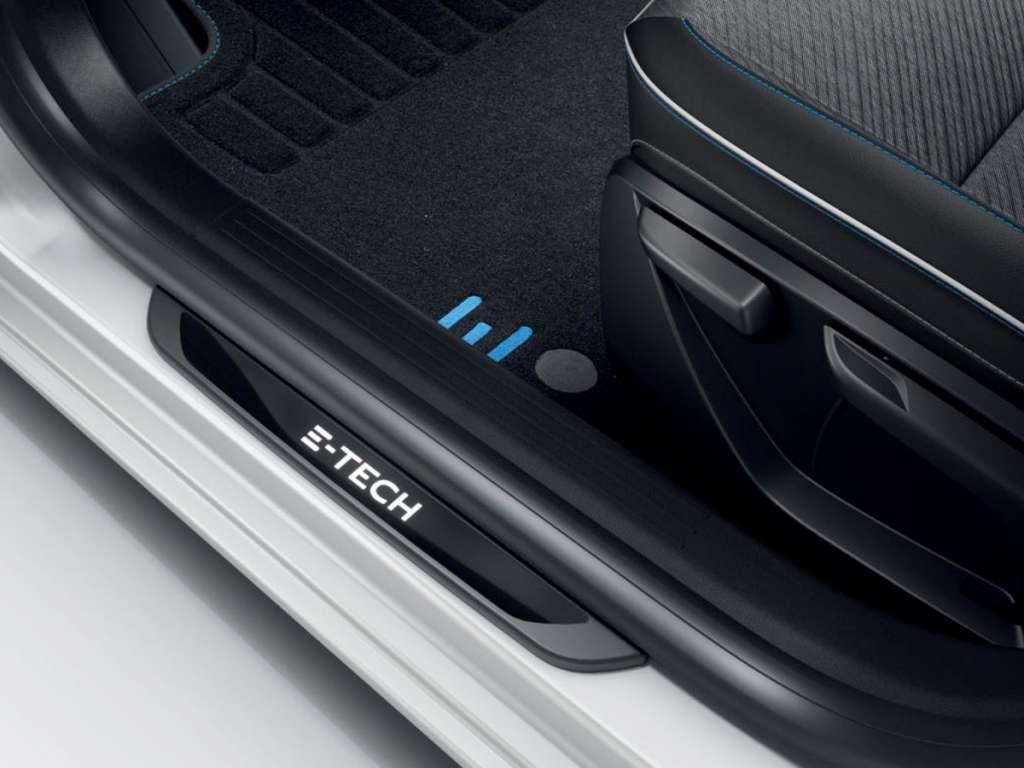 Galería de fotos del Renault NUEVO CLIO E-TECH (4)
