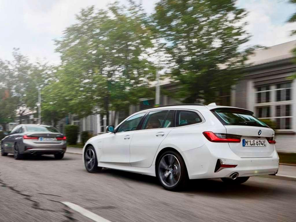 BMW 330e Touring Híbrido Plug-In