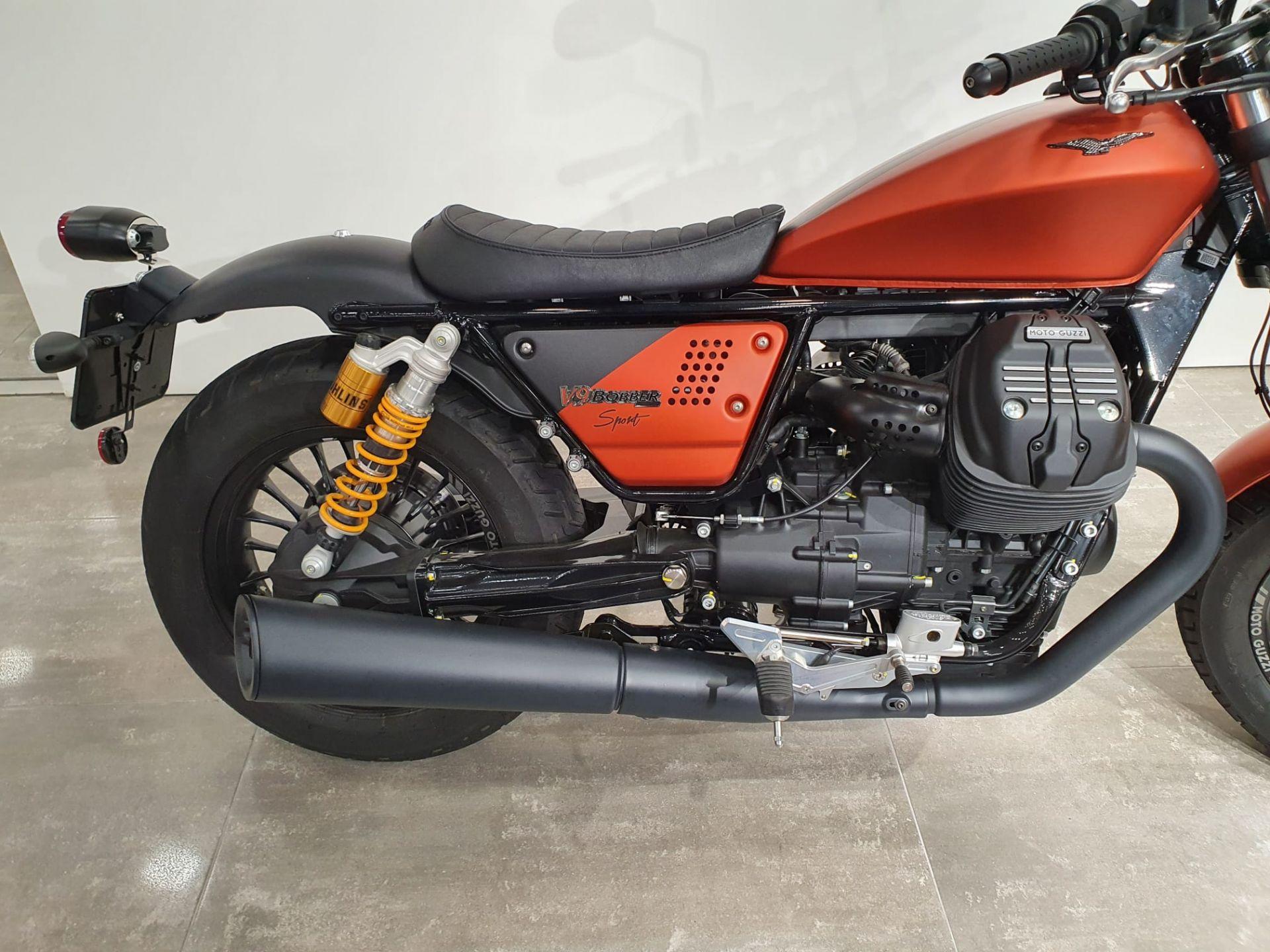 Moto Guzzi V V9 BOOBER SPORT