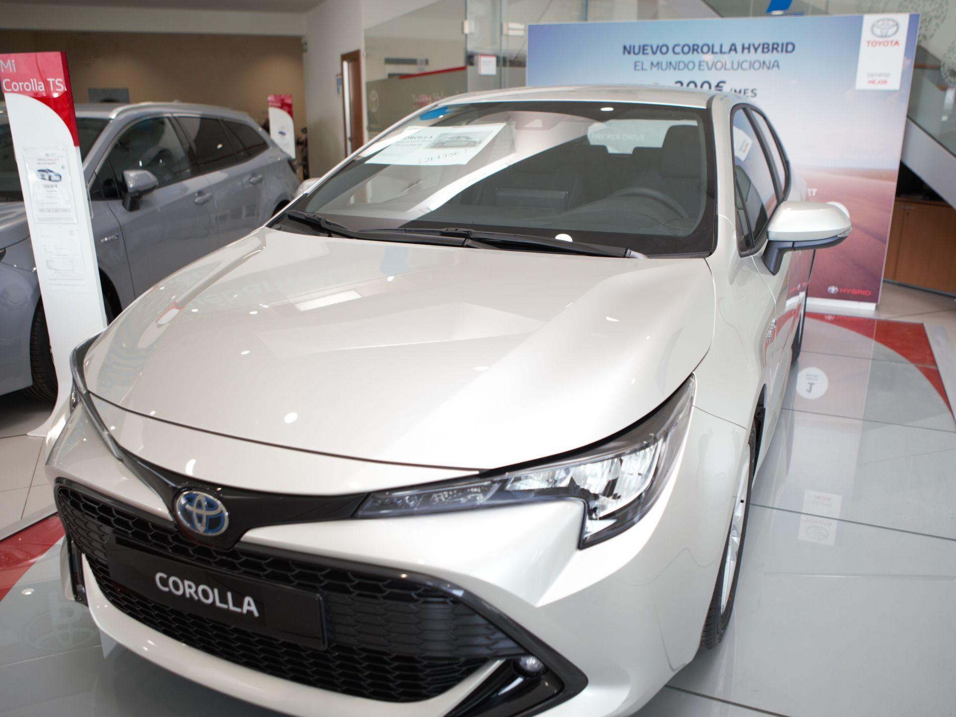 Toyota Corolla 1.8 125H ACTIVE TECH E-CVT