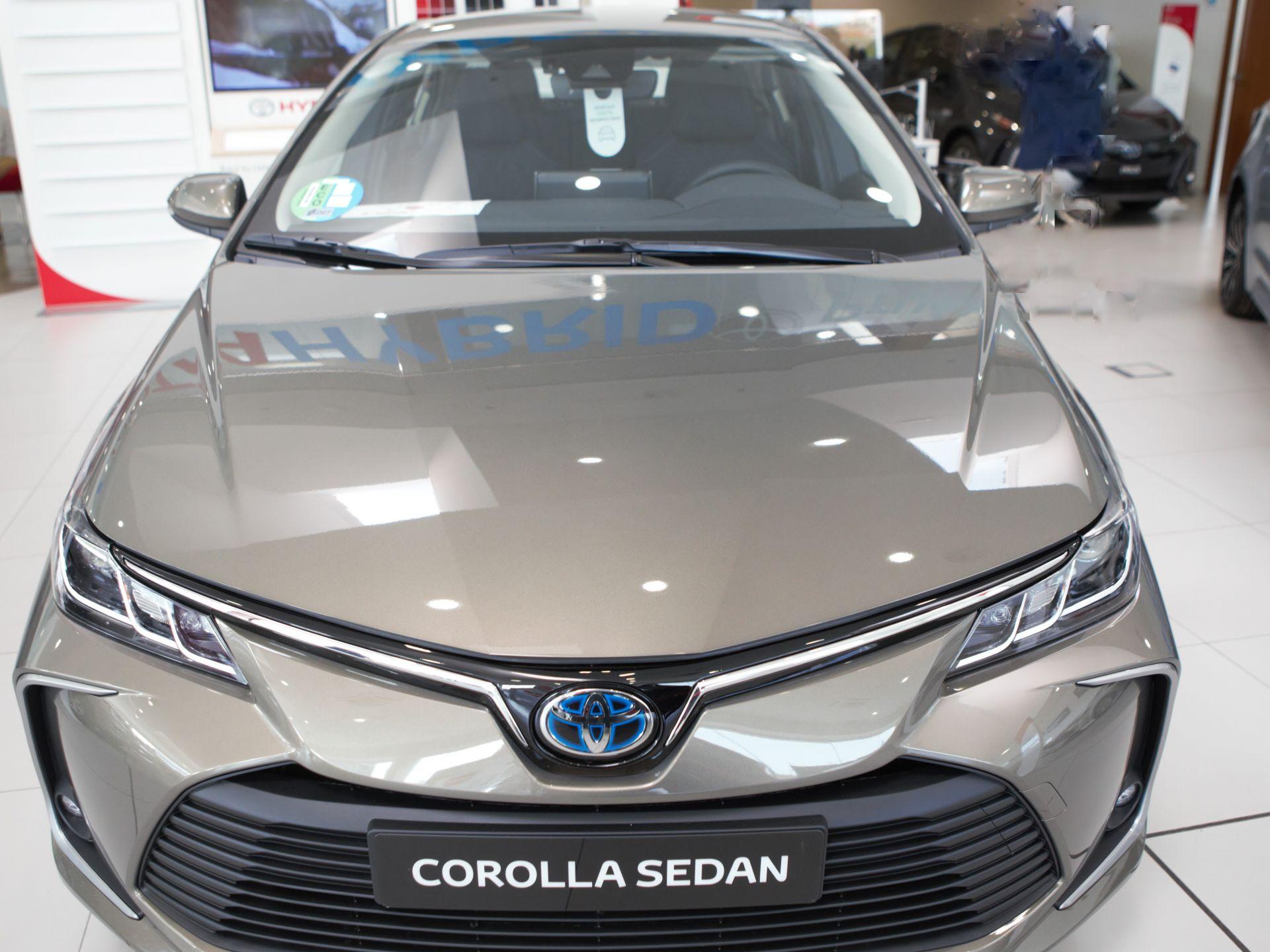 Toyota Corolla Sedán 1.8 125H ACTIVE TECH E-CVT