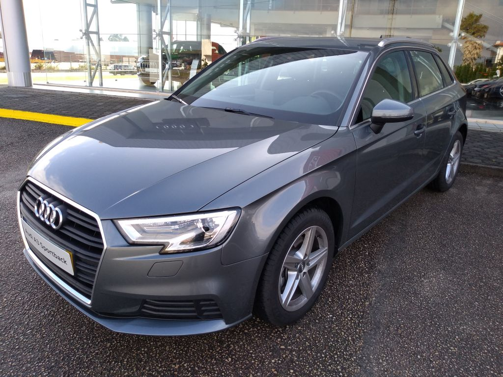 Audi A3 Sportback 1.6 30 TDI 116cv Base usada Aveiro