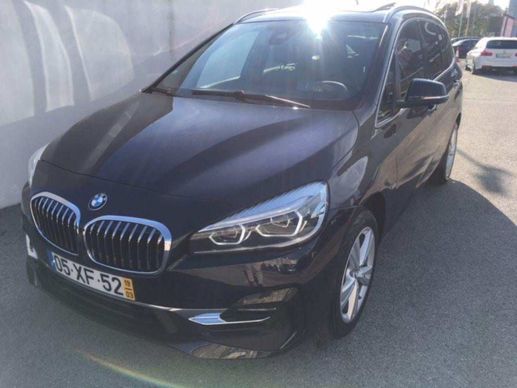 BMW Serie 2 Gran Tourer 216d Auto Line Luxury segunda mão Lisboa