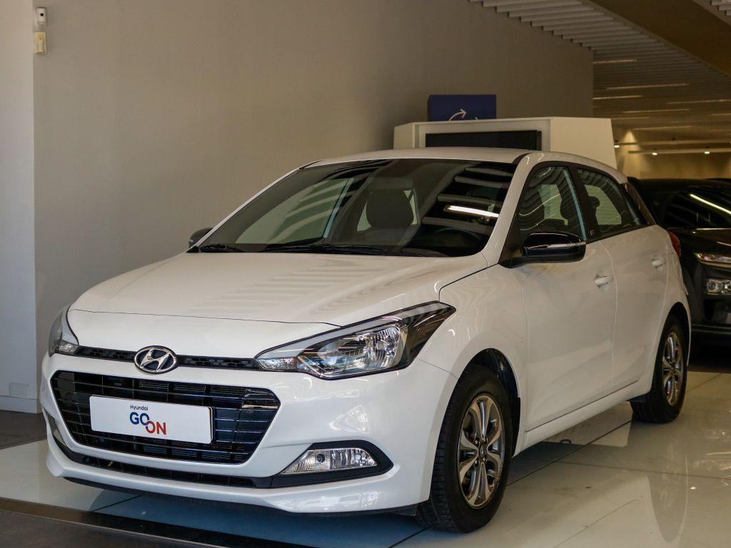 Hyundai i20 i20 1.2 5 P MPI GO segunda mão Lisboa