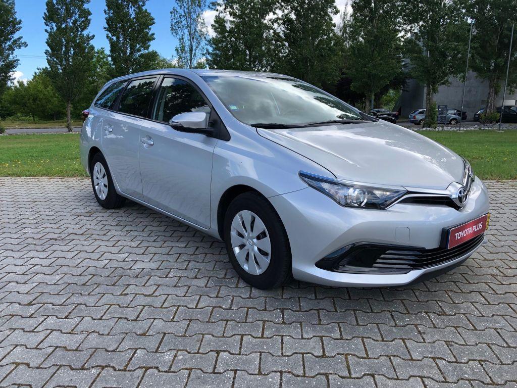 Toyota Auris Touring Sports 1.4D Active TS usada Castelo Branco