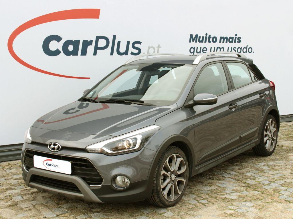Hyundai i20 1.4 CRDi Active Comfort NAVI segunda mão Braga