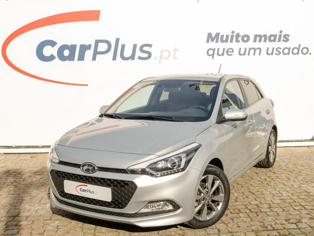 Hyundai i20 1.2 84Cv Comfort segunda mão Lisboa