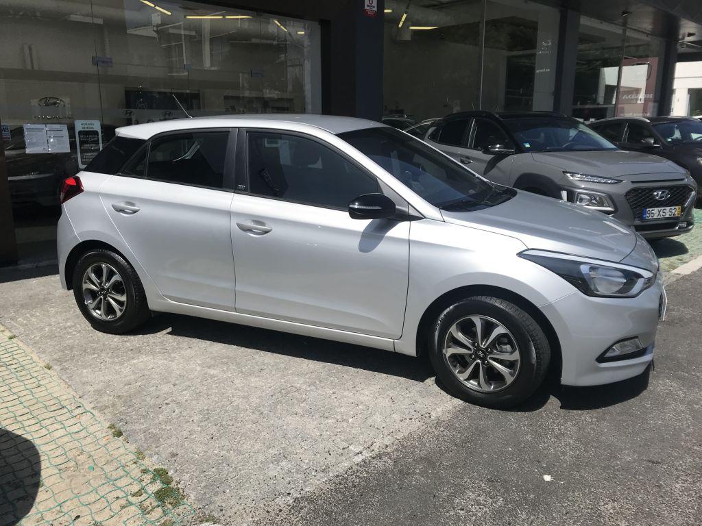 Hyundai i20 1.2 75Cv Comfort usada Porto