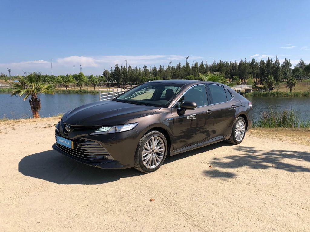 Toyota Camry Camry 2.5 Hybrid Luxury segunda mão Castelo Branco