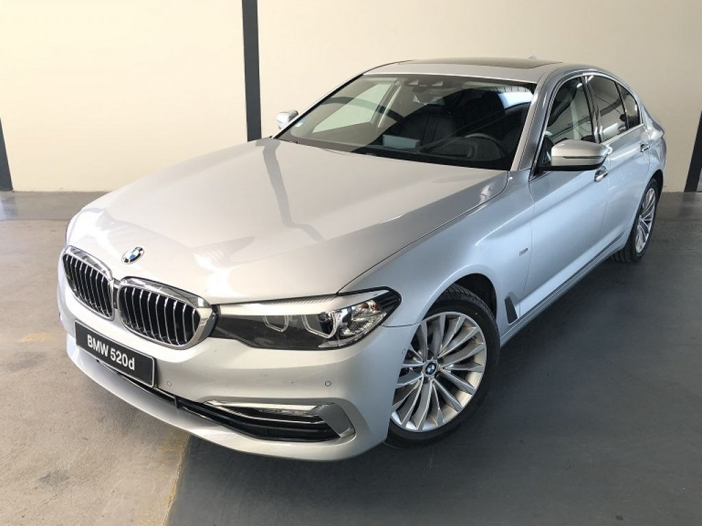 BMW Serie 5 520d Auto segunda mão Faro
