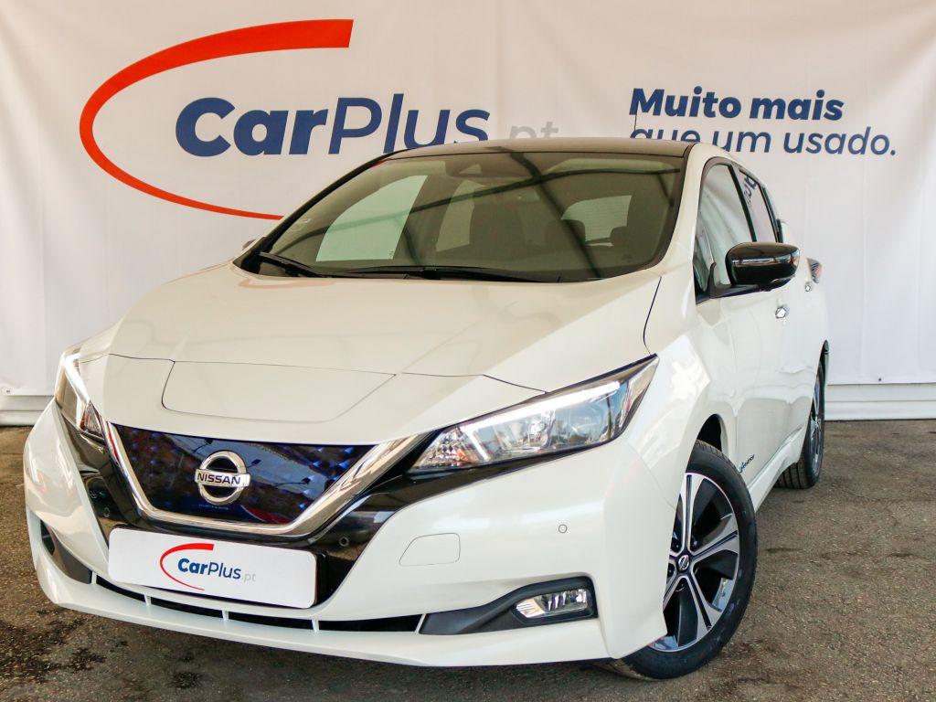 Nissan LEAF  5p 40kWh Tekna segunda mão Lisboa
