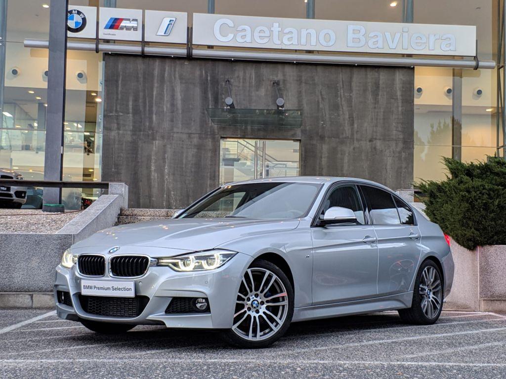BMW Serie 3 320d Auto Pack M segunda mão Lisboa