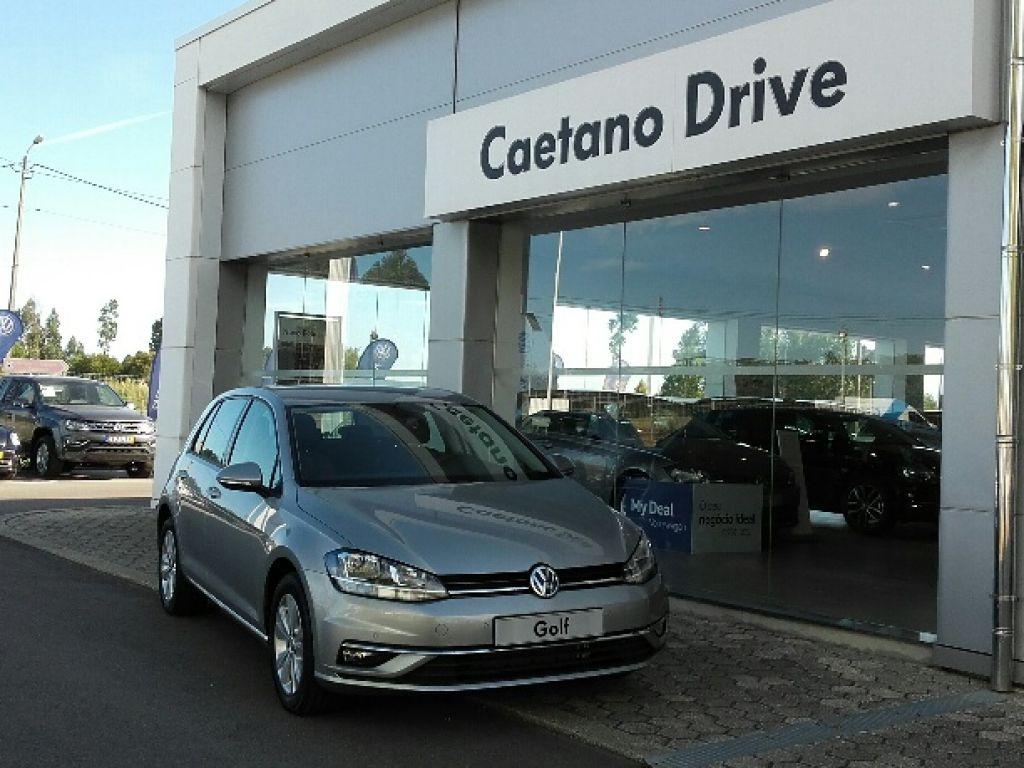 Volkswagen Golf 1.6 TDI 115cv Confortline segunda mão Aveiro