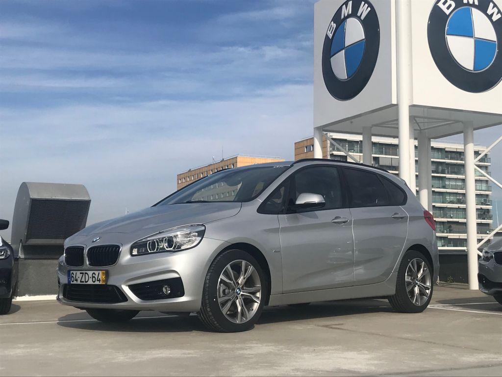 BMW Serie 2 Active Tourer 218d Line Sport Auto segunda mão Lisboa
