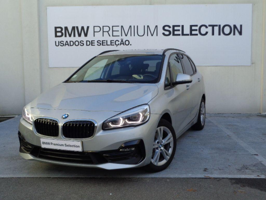 BMW Serie 2 Active Tourer 218d Auto Line Sport segunda mão Porto