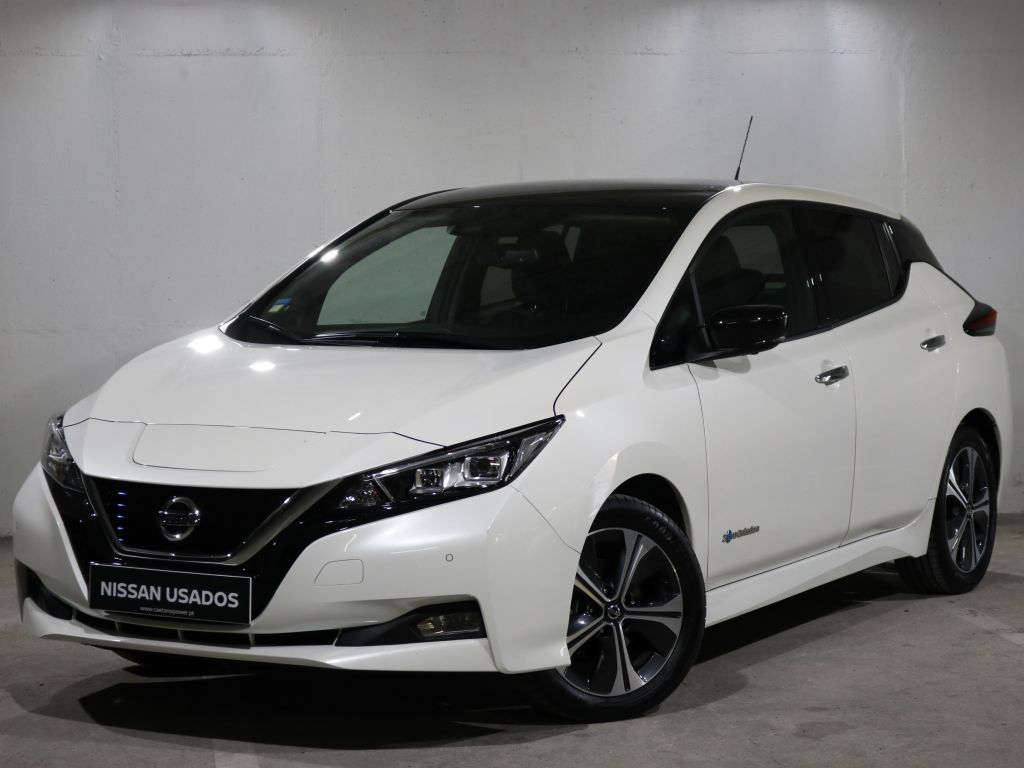 Nissan LEAF LEAF 5p 40kWh Tekna Pintura Two Tone segunda mão Lisboa
