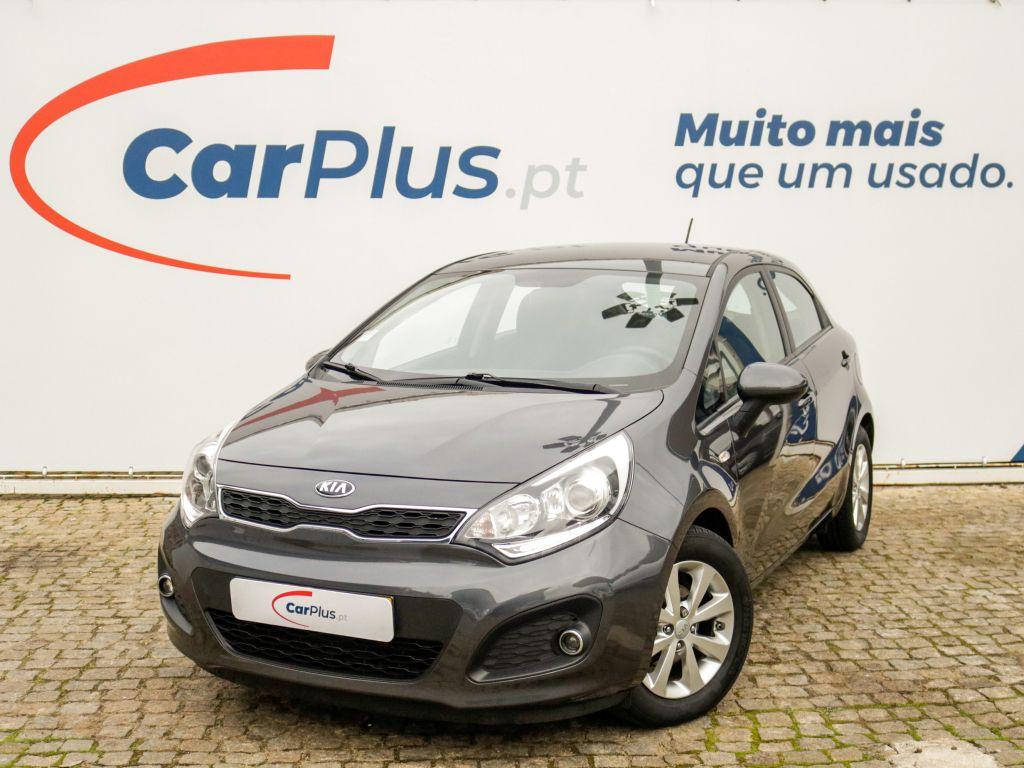 Kia Rio 1.2 CVVT More segunda mão Lisboa