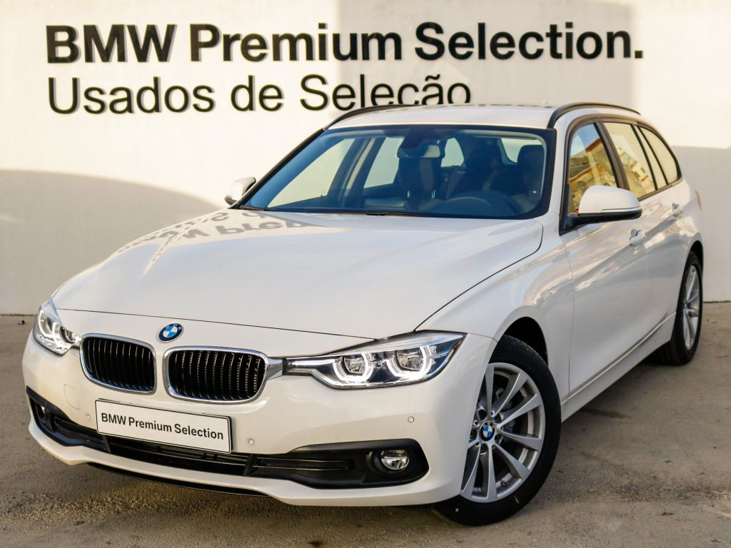 BMW Serie 3 318d Auto Touring Sportt segunda mão Lisboa