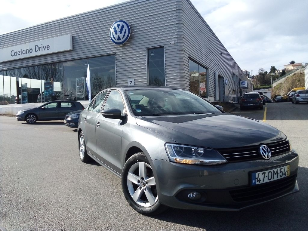 Volkswagen Jetta 1.6 TDI BlueMotion Tech CONFORTLINE segunda mão Aveiro