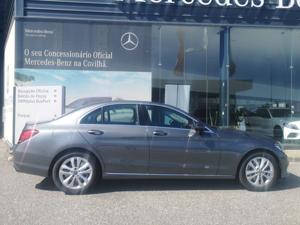 Mercedes Benz Classe C 200 D Auto segunda mão Castelo Branco