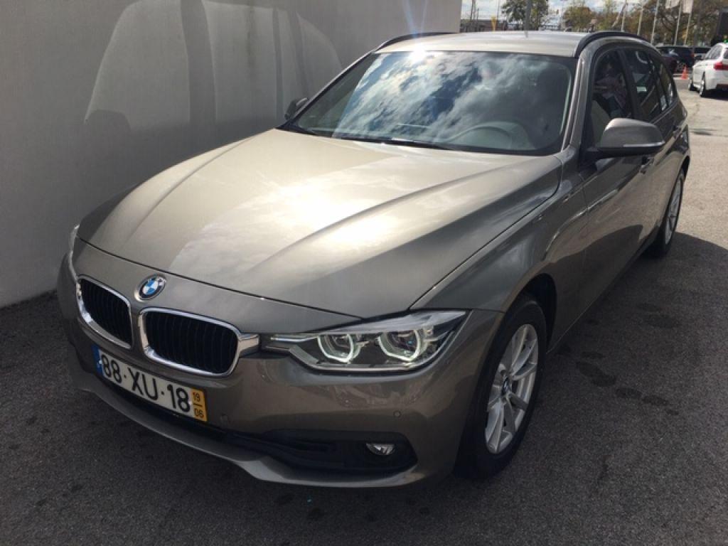 BMW Serie 3 318d Touring segunda mão Lisboa