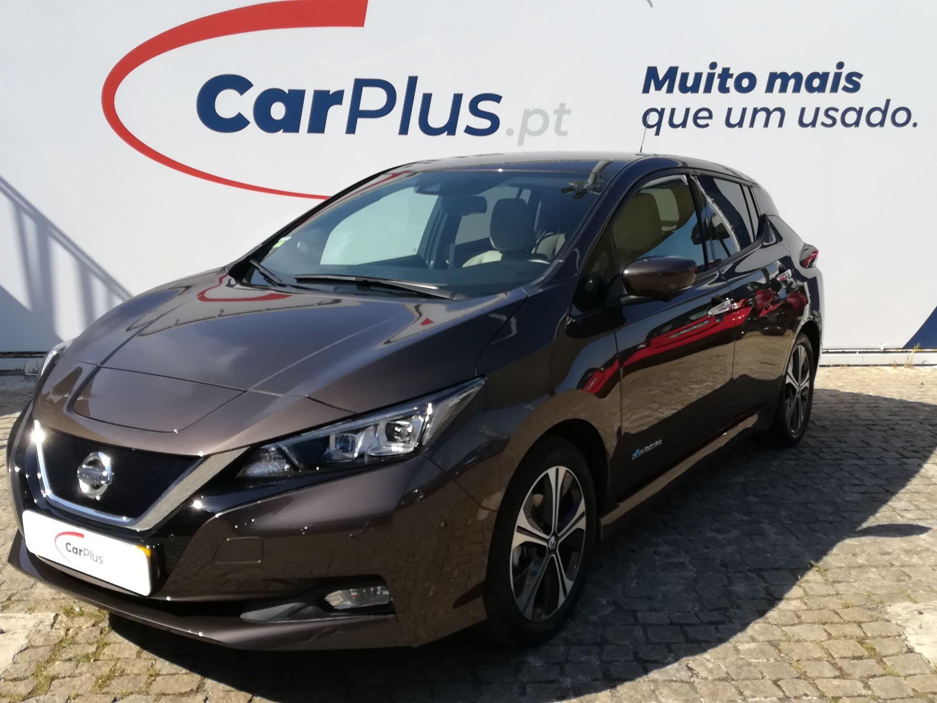 Nissan LEAF LEAF 5p 40kWh Tekna ProPilot segunda mão Lisboa