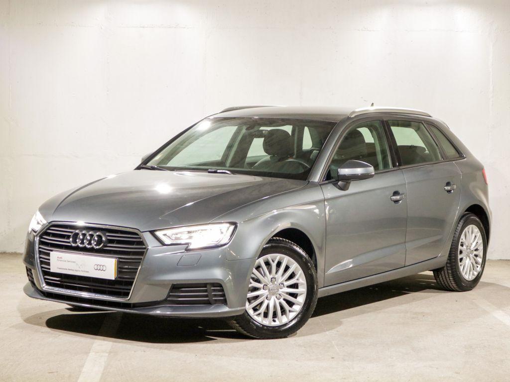 Audi A3 Sportback 1.6 TDI 116cv Base segunda mão Lisboa
