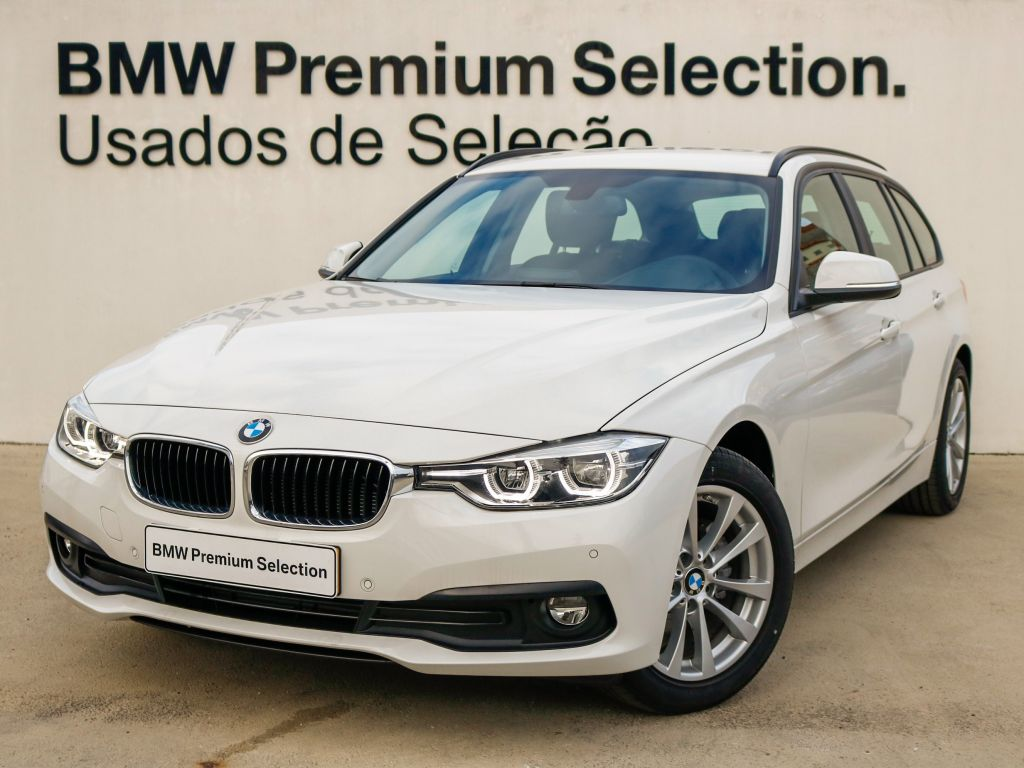 BMW Serie 3 318d Auto Touring segunda mão Lisboa