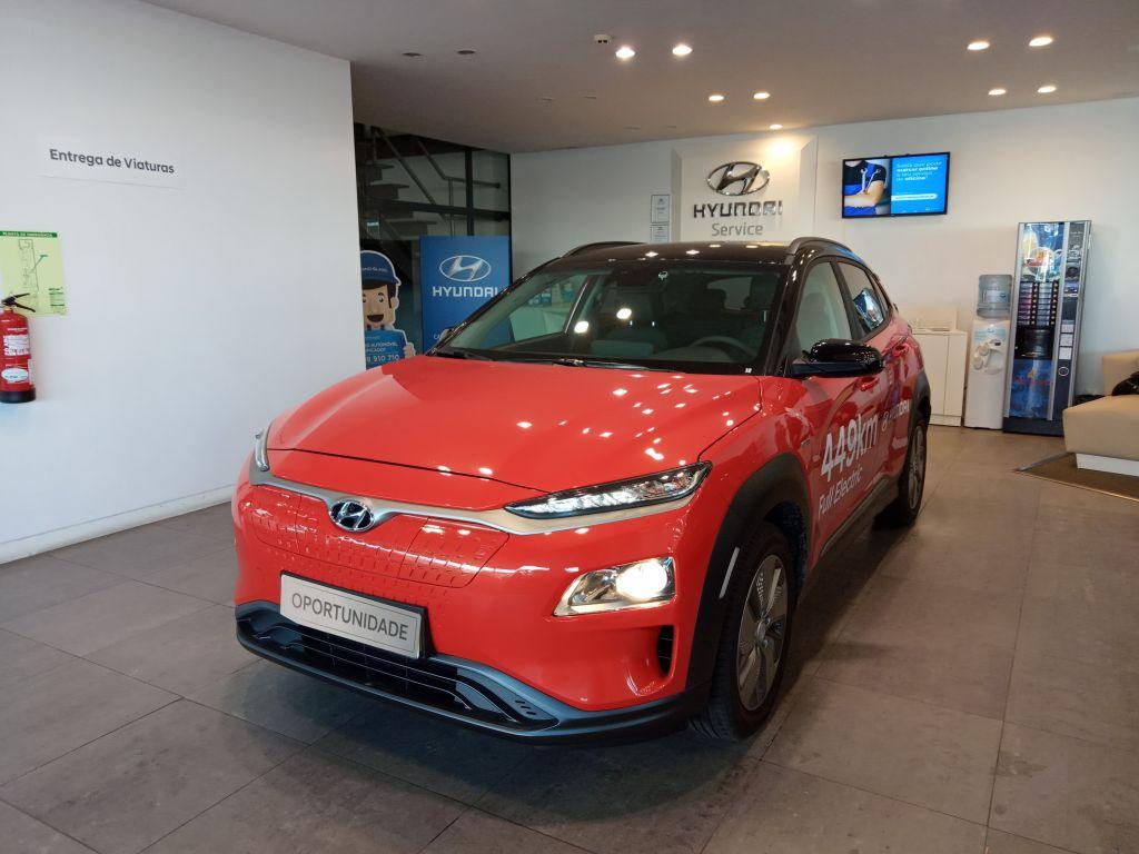 Hyundai Kauai E4X2 Electric Premium 64KWH segunda mão Porto