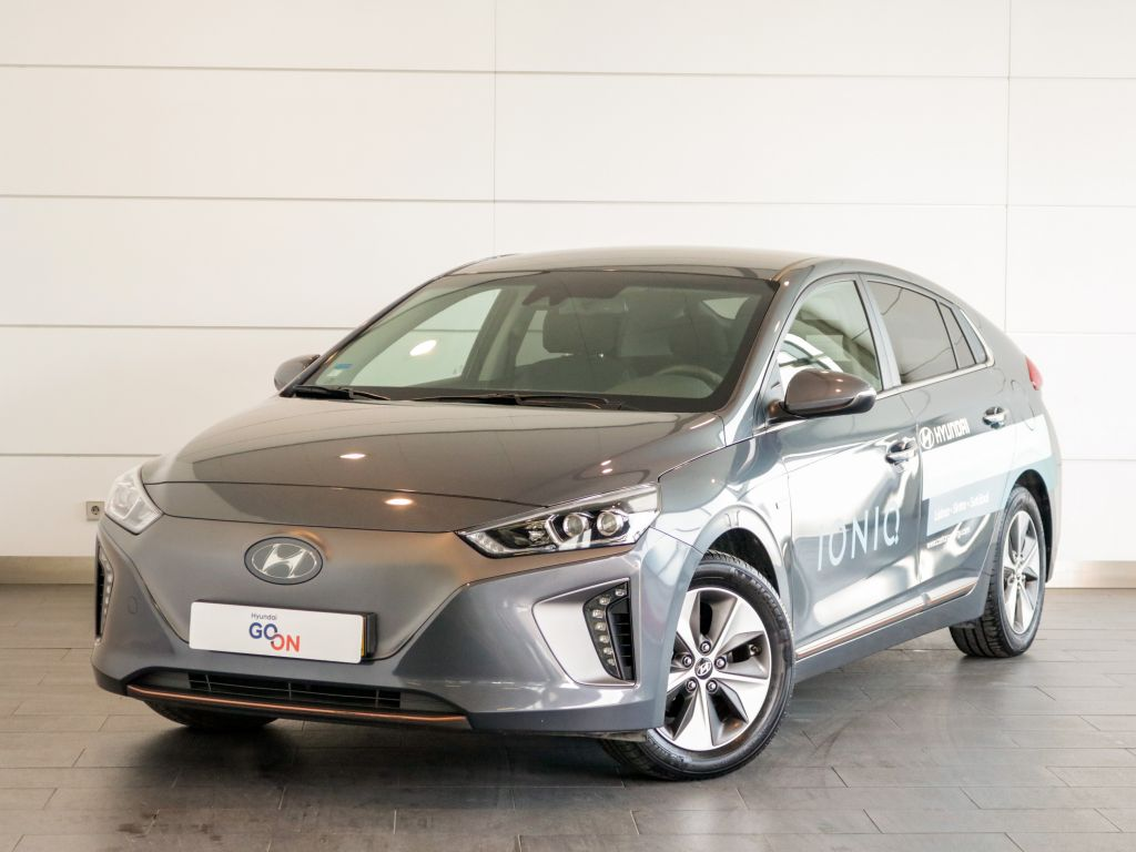 Hyundai IONIQ EElectric Tech Jante Cinza segunda mão Setúbal