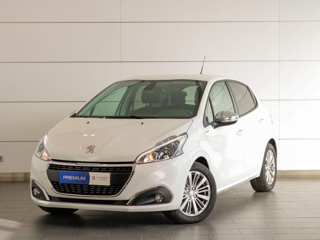 Peugeot 208 Signature 1.5 BlueHDi 100 Euro 6.2 segunda mão Setúbal