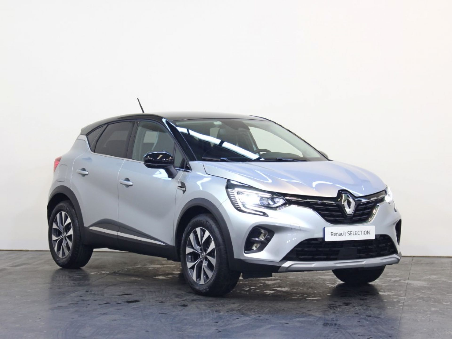 Renault Captur 1.5 Blue dCi 115 Exclusive segunda mão Porto
