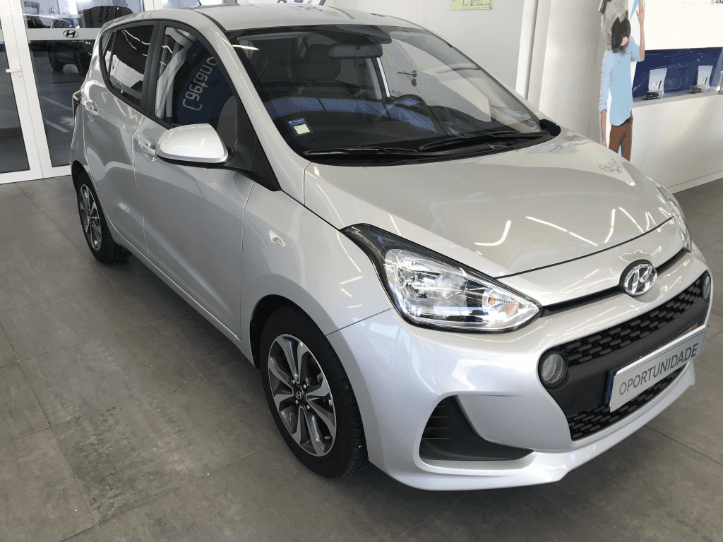 Hyundai i10 1.0 MPi Comfort A/T usada Porto