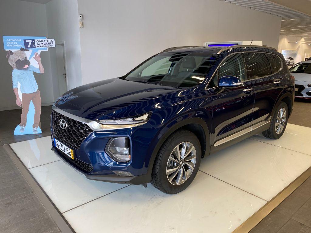 Hyundai Santa Fe 4x2 2.0 CRDi Executive s/Pele 6MT MY19 segunda mão Lisboa
