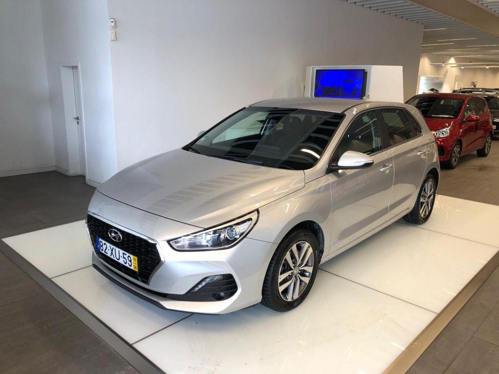 Hyundai i30 5P 1.6 CRDI MY19 STYL+ NAVI segunda mão Lisboa