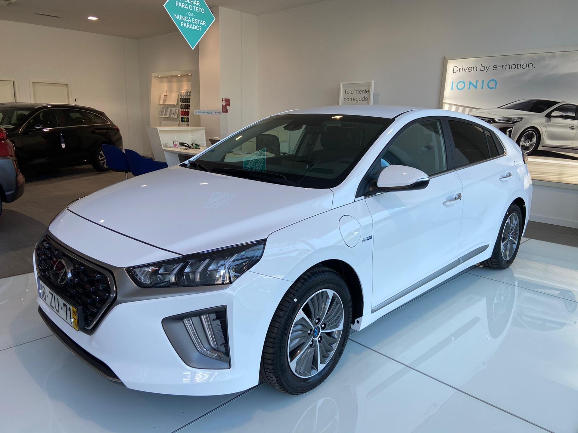 Hyundai IONIQ PHE1.6 GDi 6DCT MY20 + Pack Plus segunda mão Lisboa