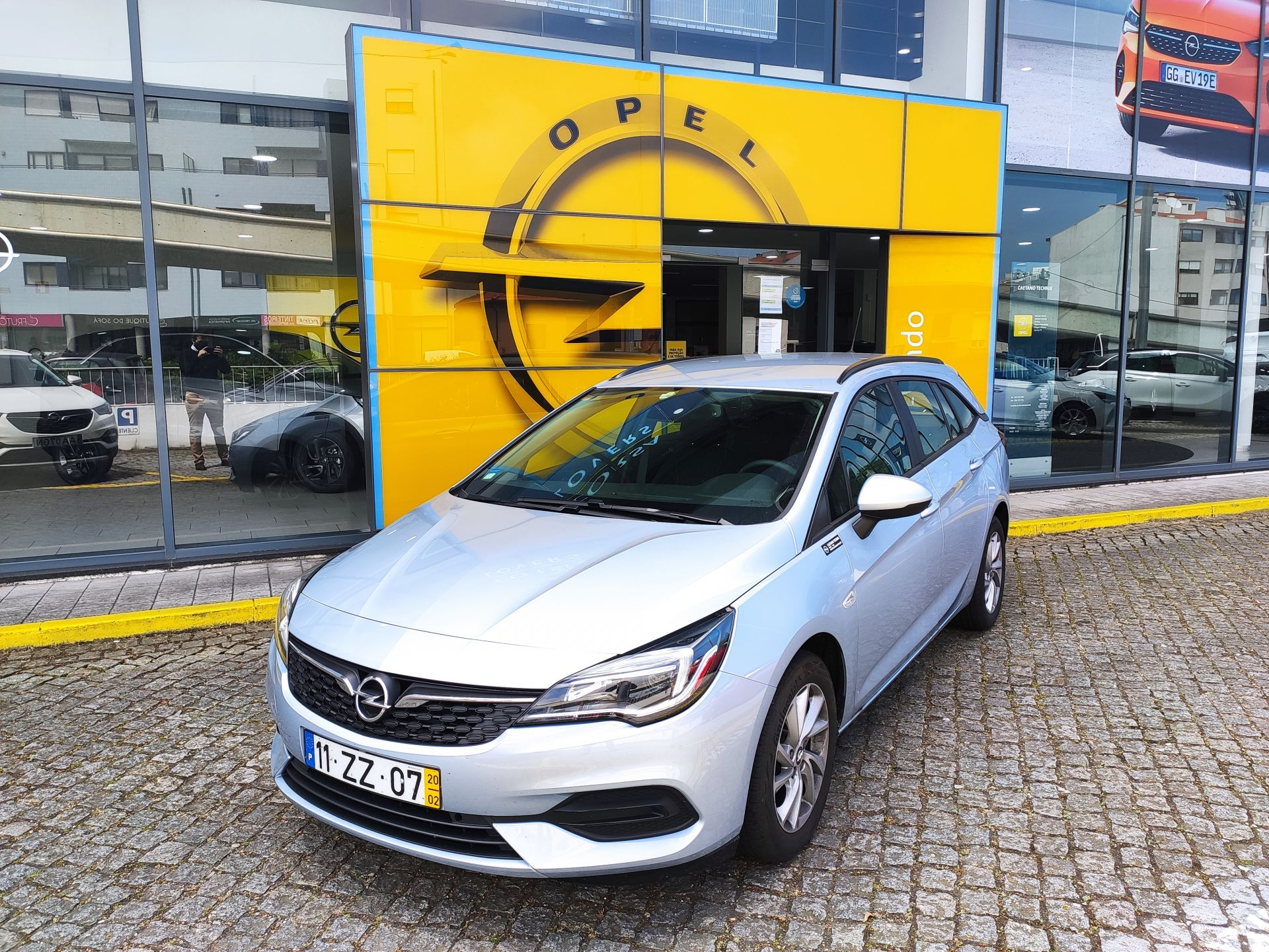 Opel Astra 1.5 Turbo D 122cv Business Edition ST segunda mão Porto