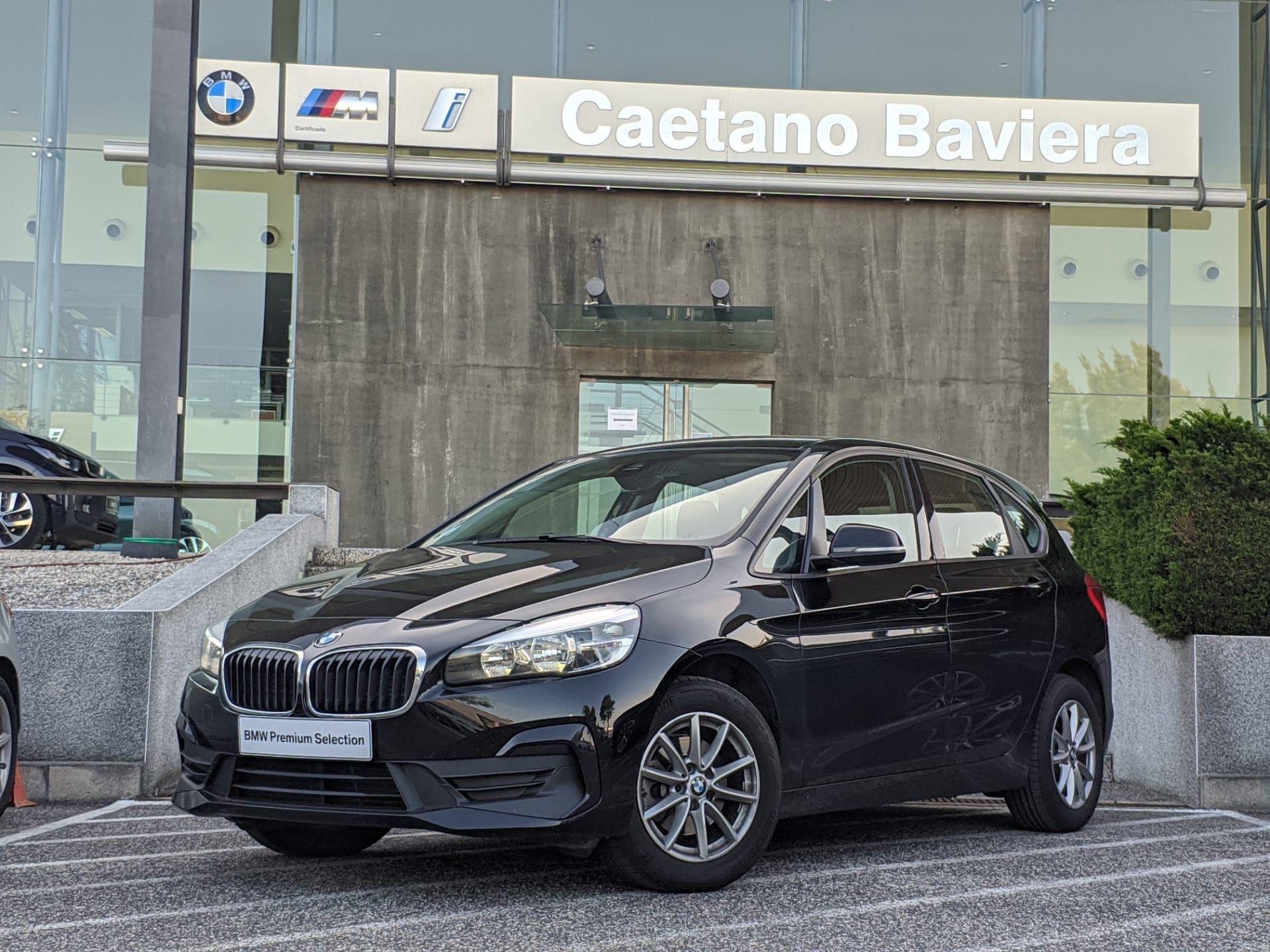 BMW Serie 2 Active Tourer 216d Corporate Edition segunda mão Lisboa
