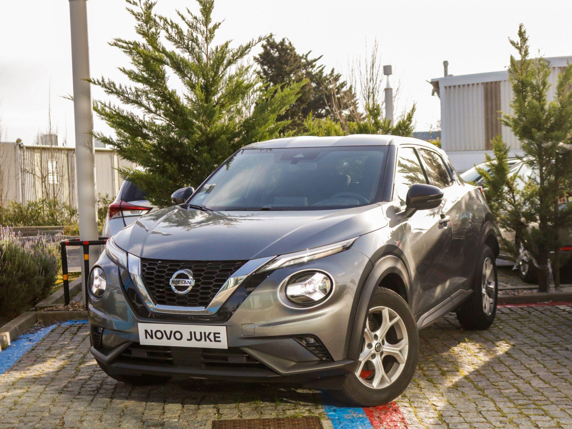 Nissan JUKE 1.0 DIG-T 117C6 M/T ACENTDESIGN P. DESIGN segunda mão Lisboa