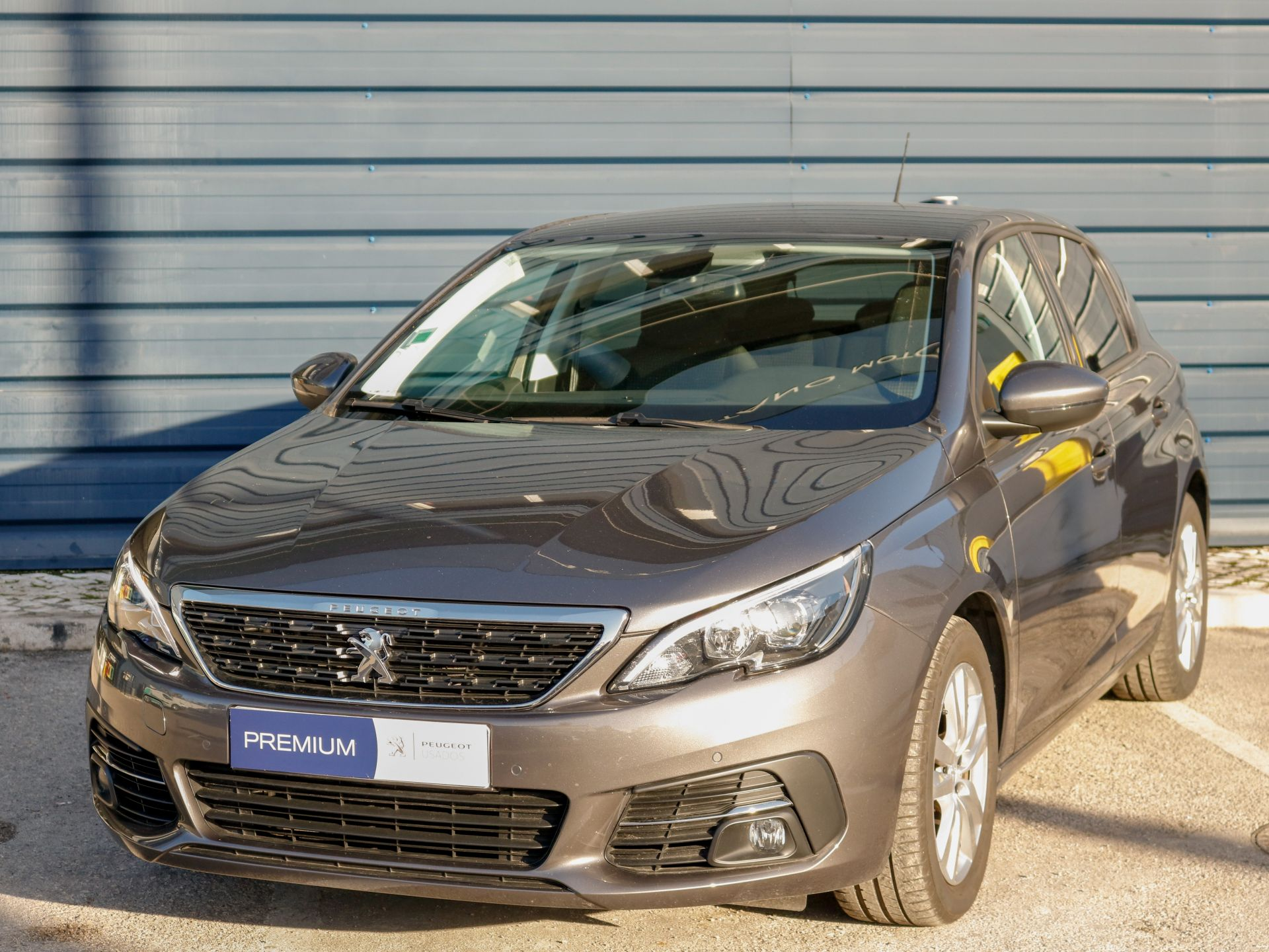 Peugeot 308 Style 1.2 PureTech 130 cv Euro 6.3d segunda mão Setúbal