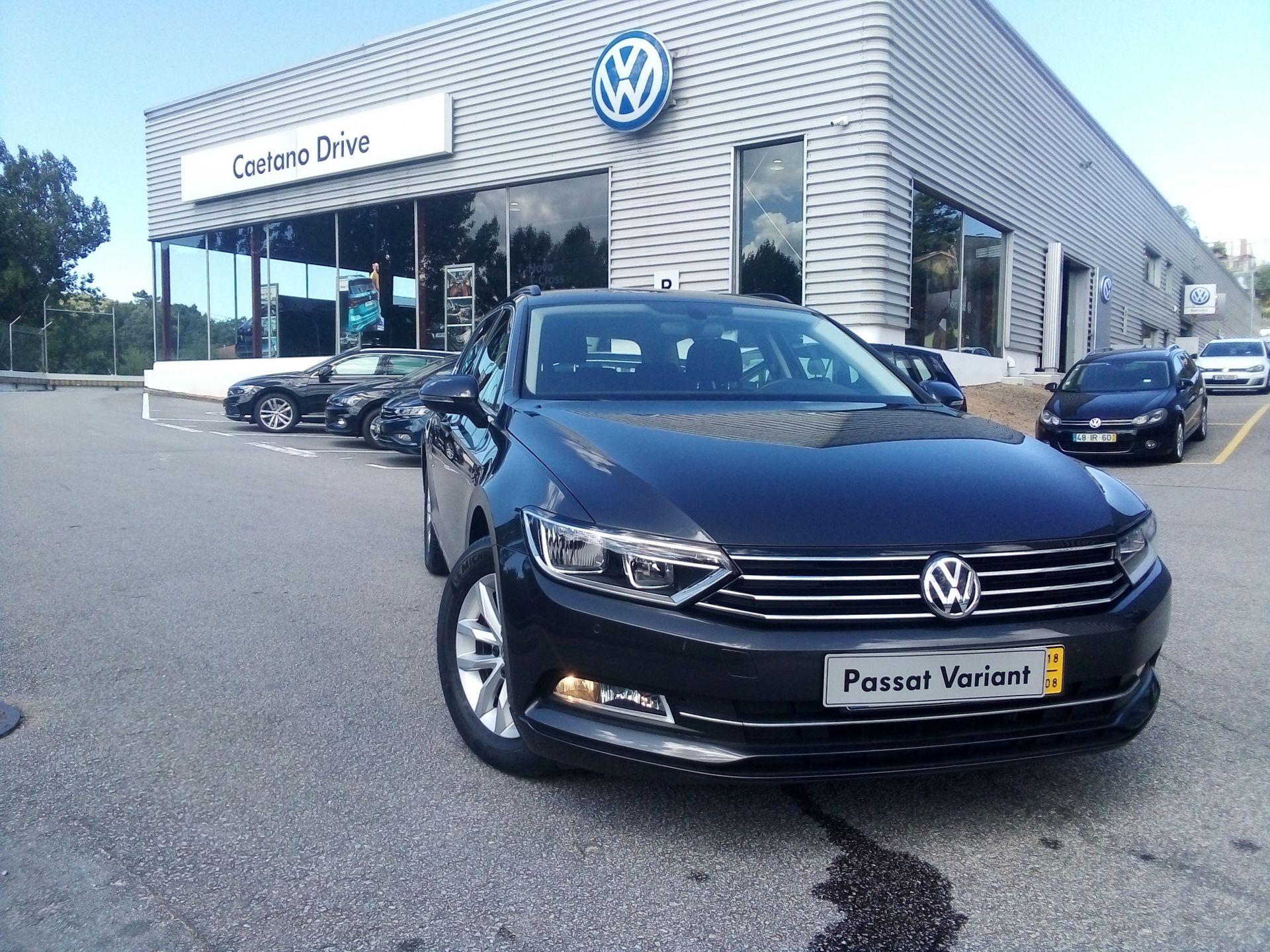 Volkswagen Passat 1.6 TDI CONFORTLINE VARIANT segunda mão Porto