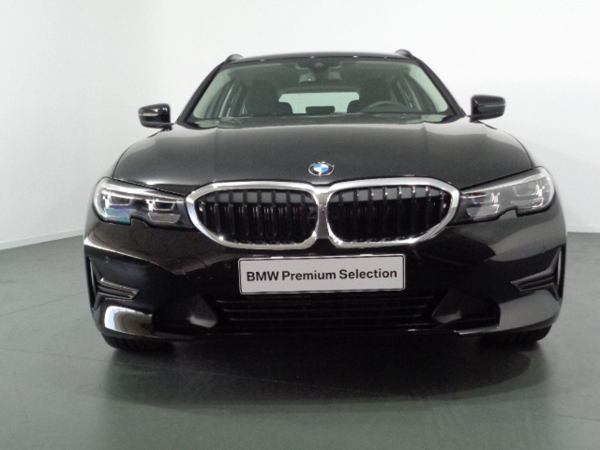 BMW Serie 3 318d Touring segunda mão Porto