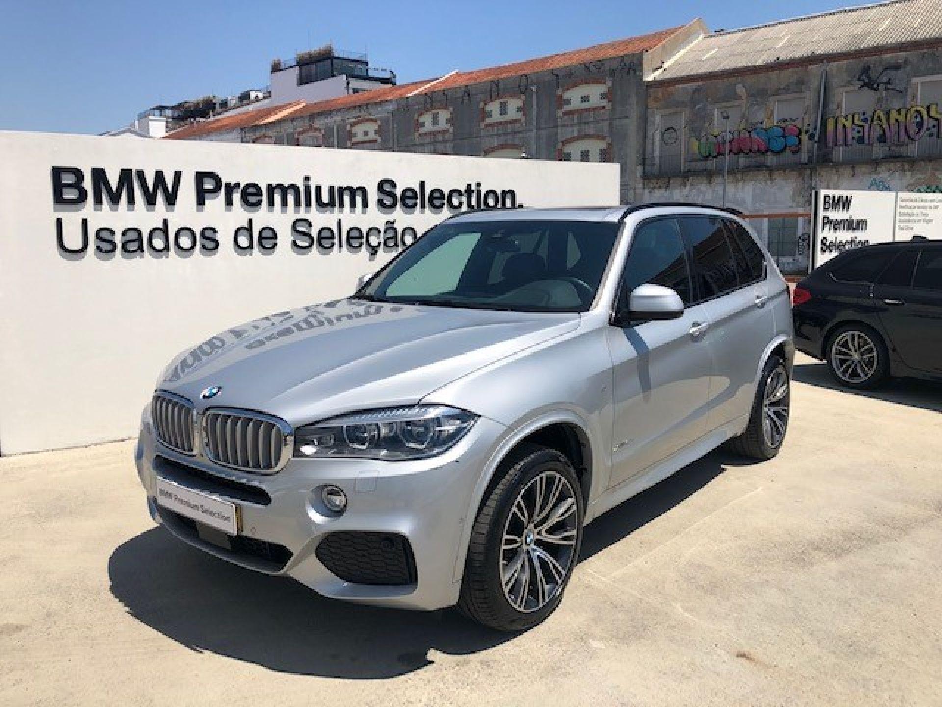 BMW X5 xDrive40d Pack M segunda mão Lisboa
